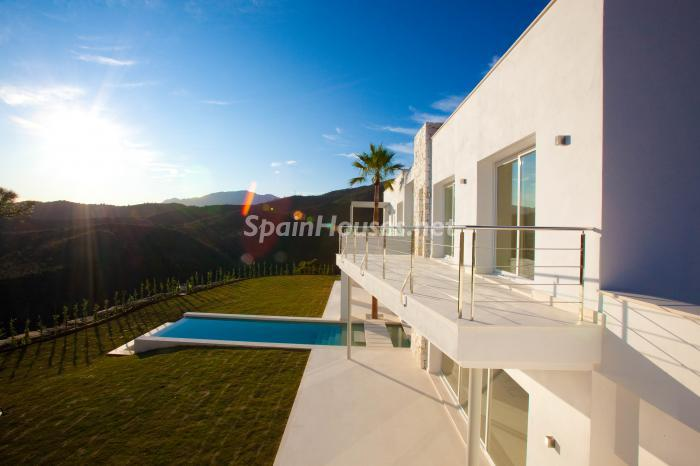 730 - Luxury Villa for Sale in Benahavis, Costa del Sol