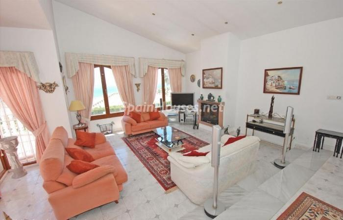 738 - Large Detached House for Sale in Benalmadena, Costa del Sol