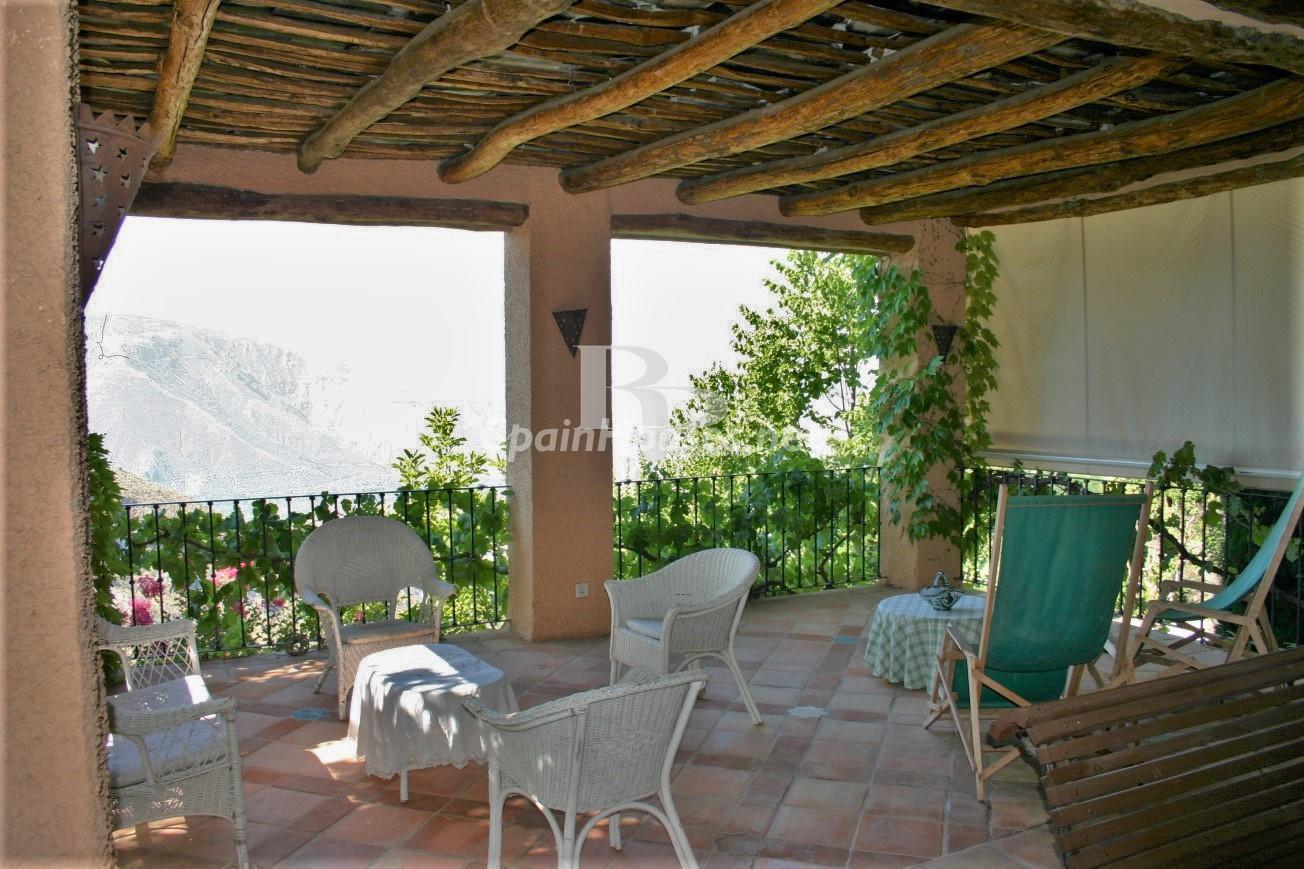 79874050 3157227 foto124480287 - An idyllic natural site in this charming Andalusian farmhouse in Órgiva, La Alpujarra, Granada