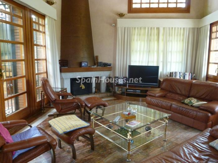 8 House for sale - Large Mountain House For Sale in Caldes de Montbui (Barcelona)