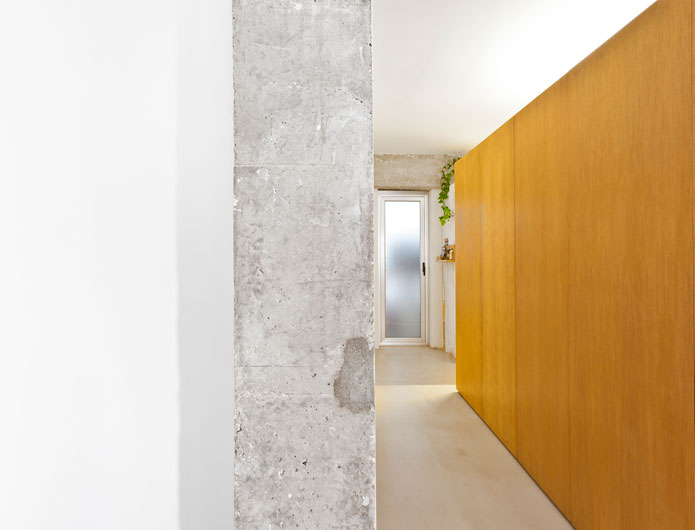 8. Apartment Refurbishment by vilaseguiarquitectos.com