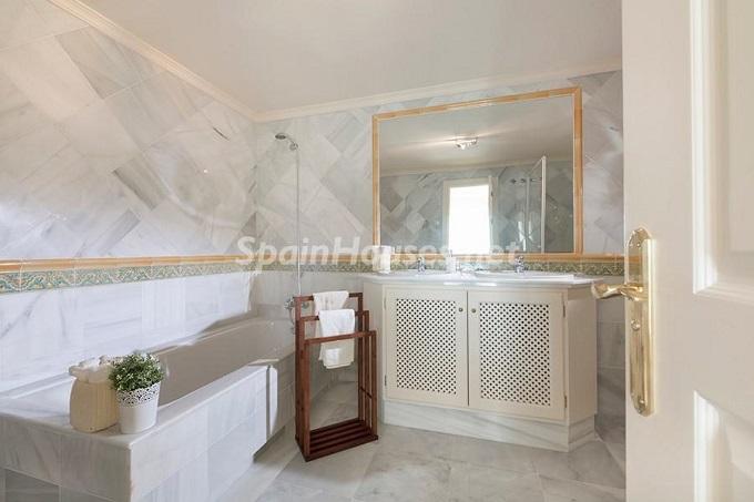 8. Apartment for sale in Benahavís Málaga - Superb Apartment for Sale in Benahavís, Costa del Sol, Málaga
