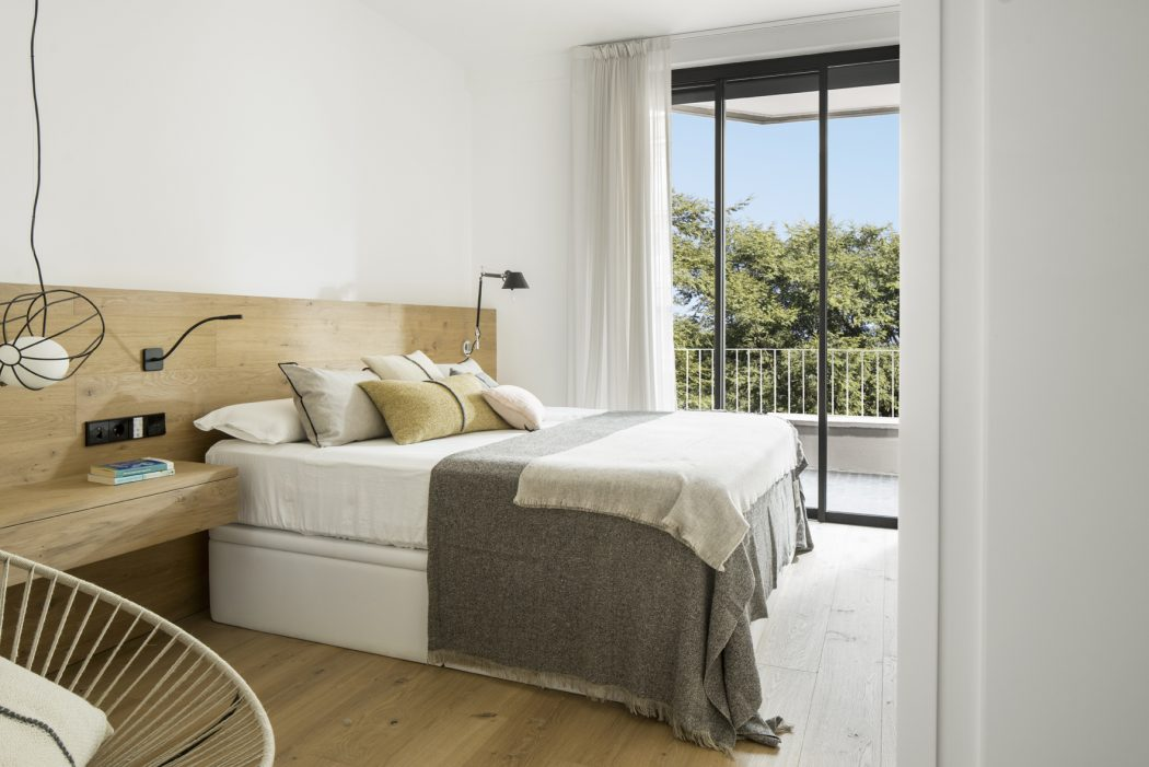 8. Apartment in Barcelona by Susanna Cots - Contemporary Apartment in Barcelona designed by Susanna Cots