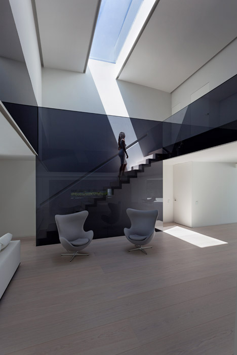 8. Balint House - Balint House by Fran Silvestre Arquitectos in Bétera (Valencia)