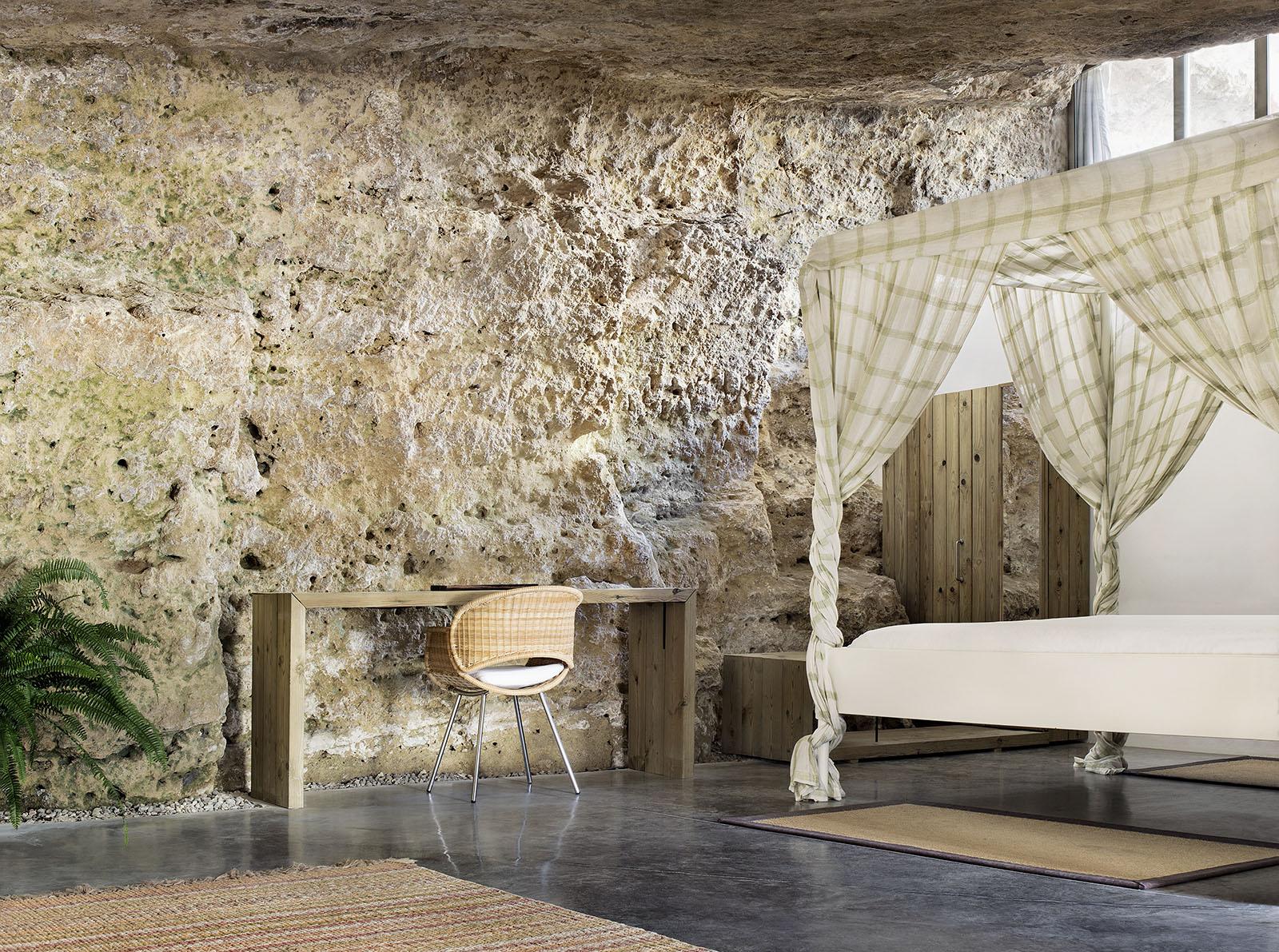 8. Cave House in Villarrubia Córdoba - Casa Tierra: a Cave House in Córdoba by UMMO Estudio