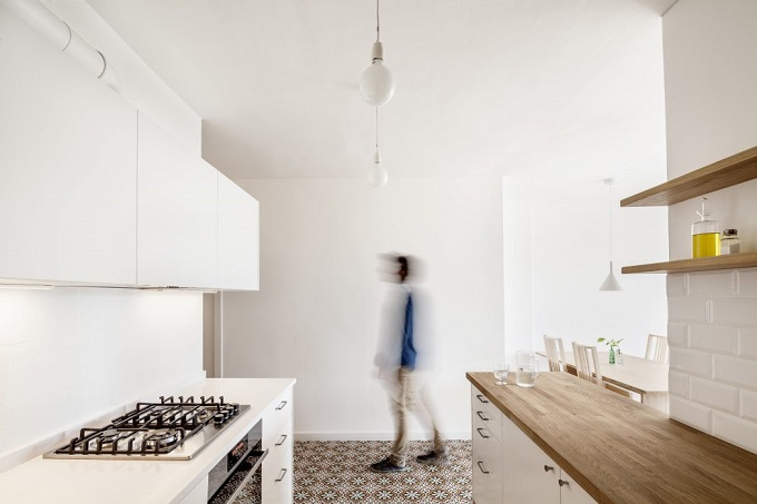 8. Home in Barcelona by Roman Izquierdo Bouldstridge 1 - Apartment Renovation in Barcelona by Roman Izquierdo Bouldstridge