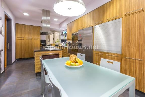 8. Home in Gràcia Barcelona - For Sale: Terraced house in the heart of Barcelona city