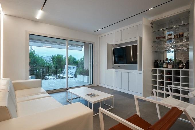 8. Home renovation in Alcúdia Mallorca 1 - Minimalist Style Apartment in Alcúdia, Mallorca, by Minimal Studio