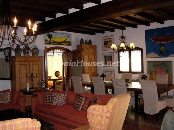 8. House for sale in Aracena (Huelva)