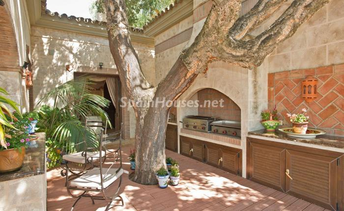 8. House for sale in Benahavís Málaga - For sale: Impressive villa in Benahavís (Málaga), don't miss the pictures!