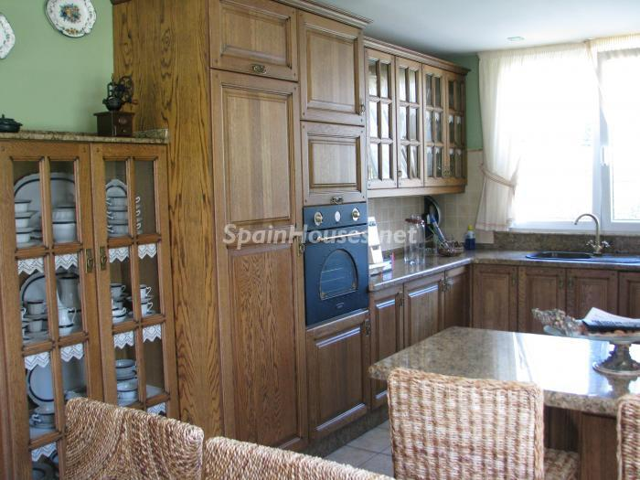 8. House for sale in Cambre, Coruña