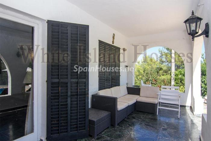 8. House for sale in Santa Eulalia del Río Balearic Islands - On the Market: Detached House in Santa Eulalia del Río, Balearic Islands