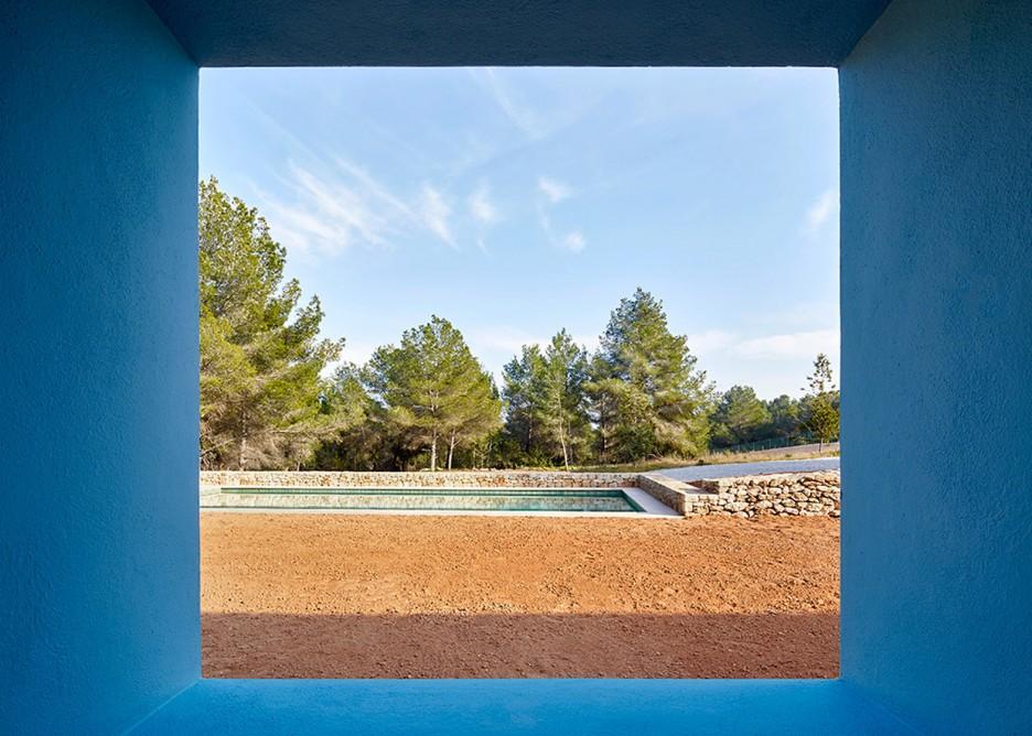 8. House in Ibiza Ca na Maria - Ca na Maria: a dreamy white house in Ibiza