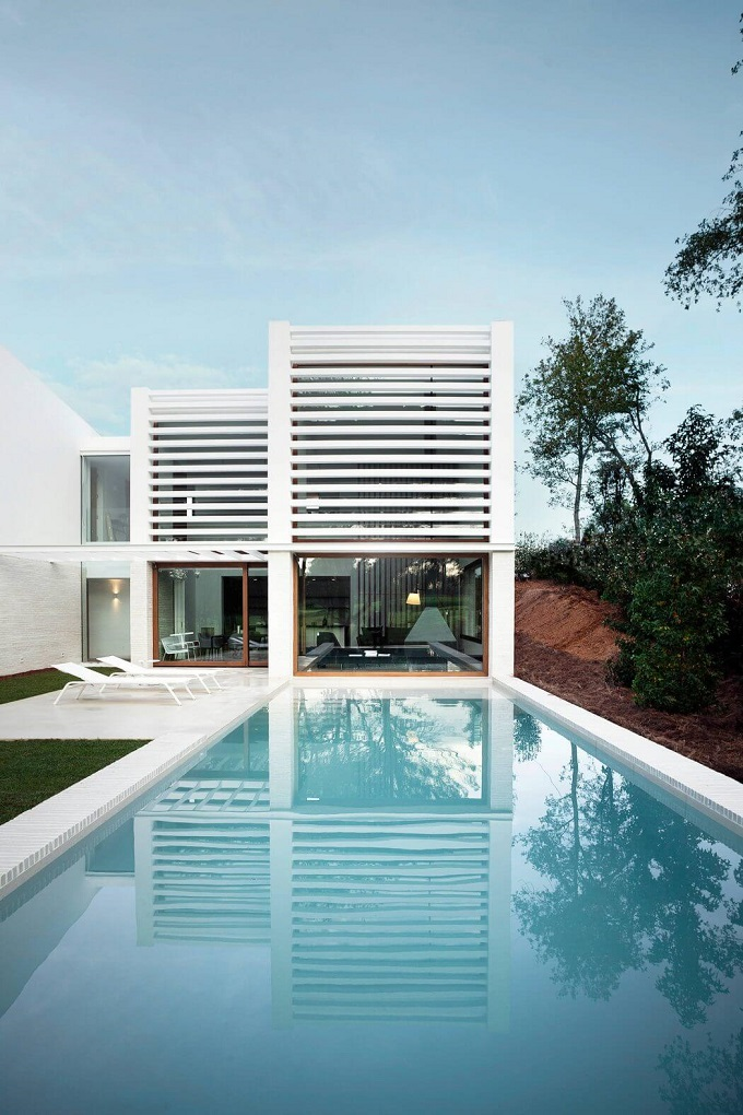 8. House in La Pineda by Jaime Prous Architects - Contemporary dwelling in La Pineda, Tarragona, by Jaime Prous Architects
