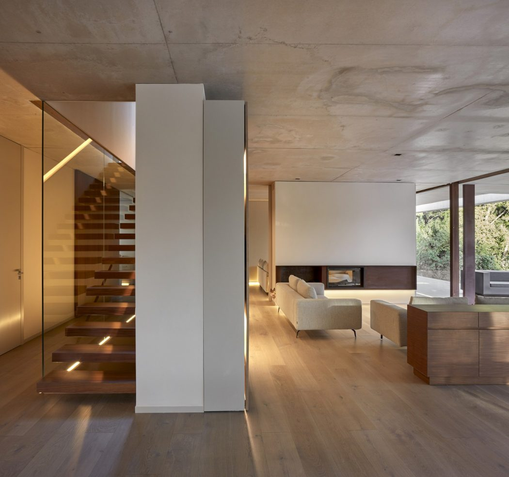 8. House in Rocafort by Ramón Esteve - Home in the pine forest of Rocafort by Ramón Esteve