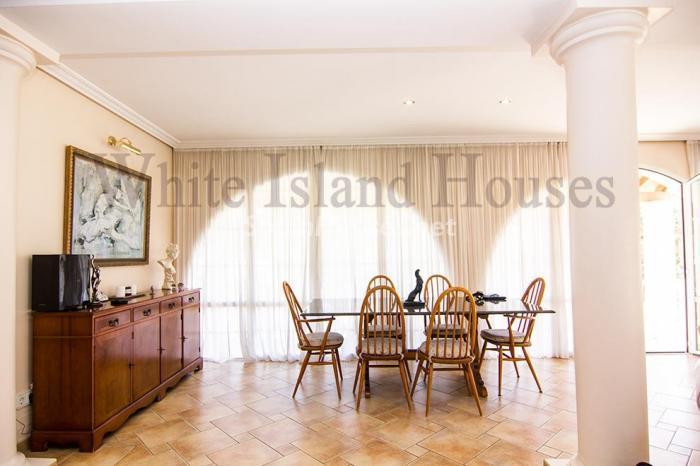 8-villa-for-sale-in-santa-eulalia-del-rio-ibiza