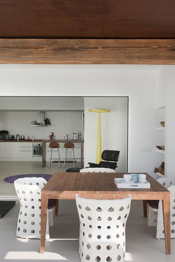 8 - Minimalist Home in Ibiza (Spain)