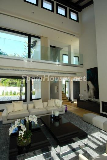 817 - Stunning Villa for Sale in Marbella, Costa del Sol