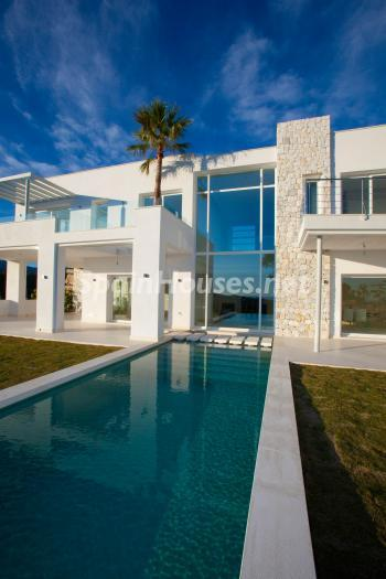 828 - Luxury Villa for Sale in Benahavis, Costa del Sol