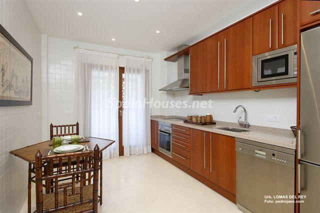 835 - Outstanding Penthouse Apartment for Sale in Marbella (Málaga)