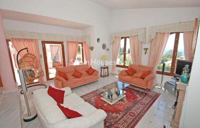 836 - Large Detached House for Sale in Benalmadena, Costa del Sol