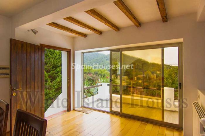 851 - White and Minimalist Villa for Sale in Ibiza, Balearic Islands