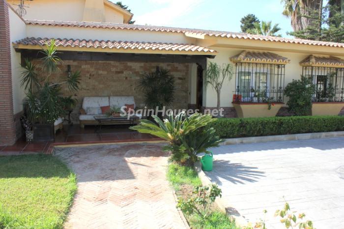 852 - Fantastic Villa For Sale in Torremolinos, Málaga
