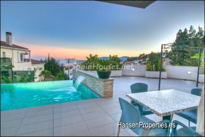 86 - Modern Style Villa for Sale in Malaga City