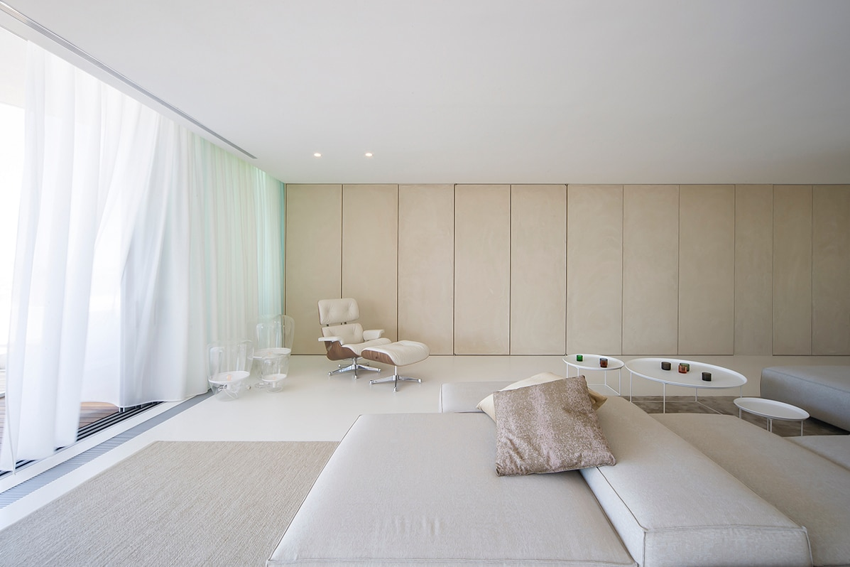 9. Apartment in Alicante by LOFT4C - Gorgeous Rooftop Apartment in Alicante by LOFT4C