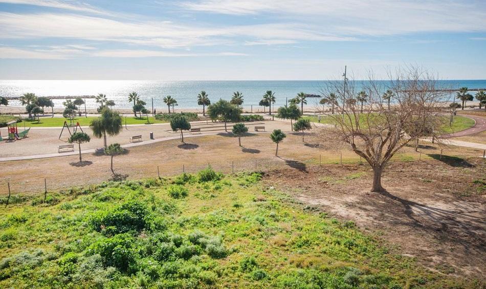 9. Beach house in Cambrils Tarragona 1 - For Sale: Beach House in Cambrils, Tarragona