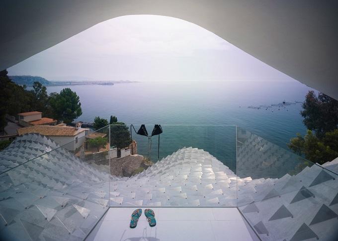 9. Cliff House by Gilbartolomé