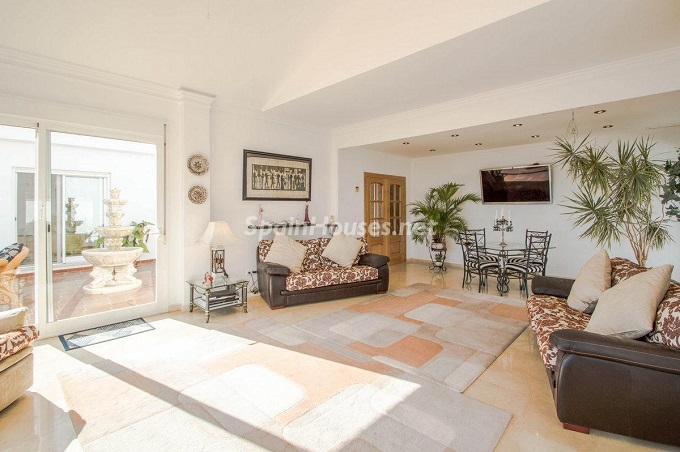9. Detached villa for sale in Benalmádena Costa (Málaga)