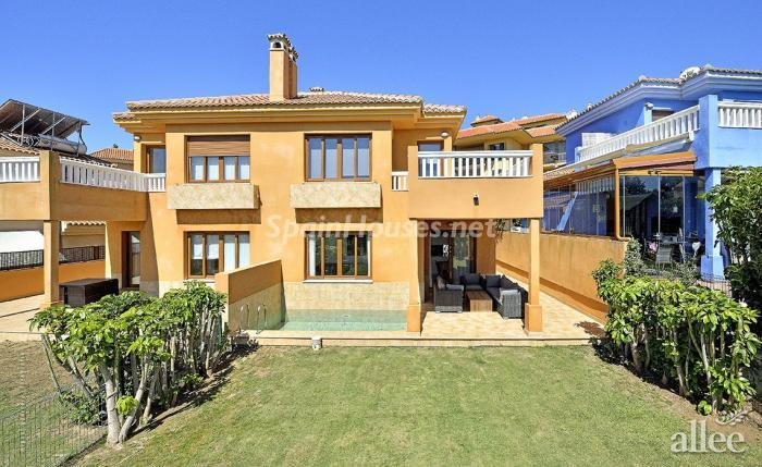 9. Duplex for sale in Benalmádena (Málaga)