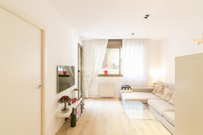9. Flat for sale in Barcelona 1 - For Sale: 3 Bedroom Apartment in Barcelona City