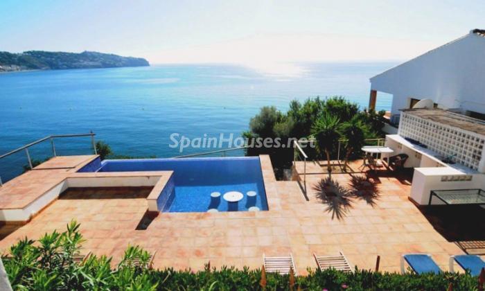 9. Holiday rental villa