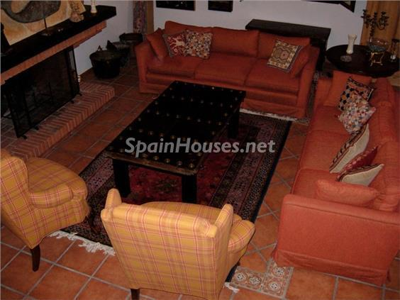 9. House for sale in Aracena Huelva - For Sale: Country House with Gorgeous Mountain Views in Aracena, Huelva
