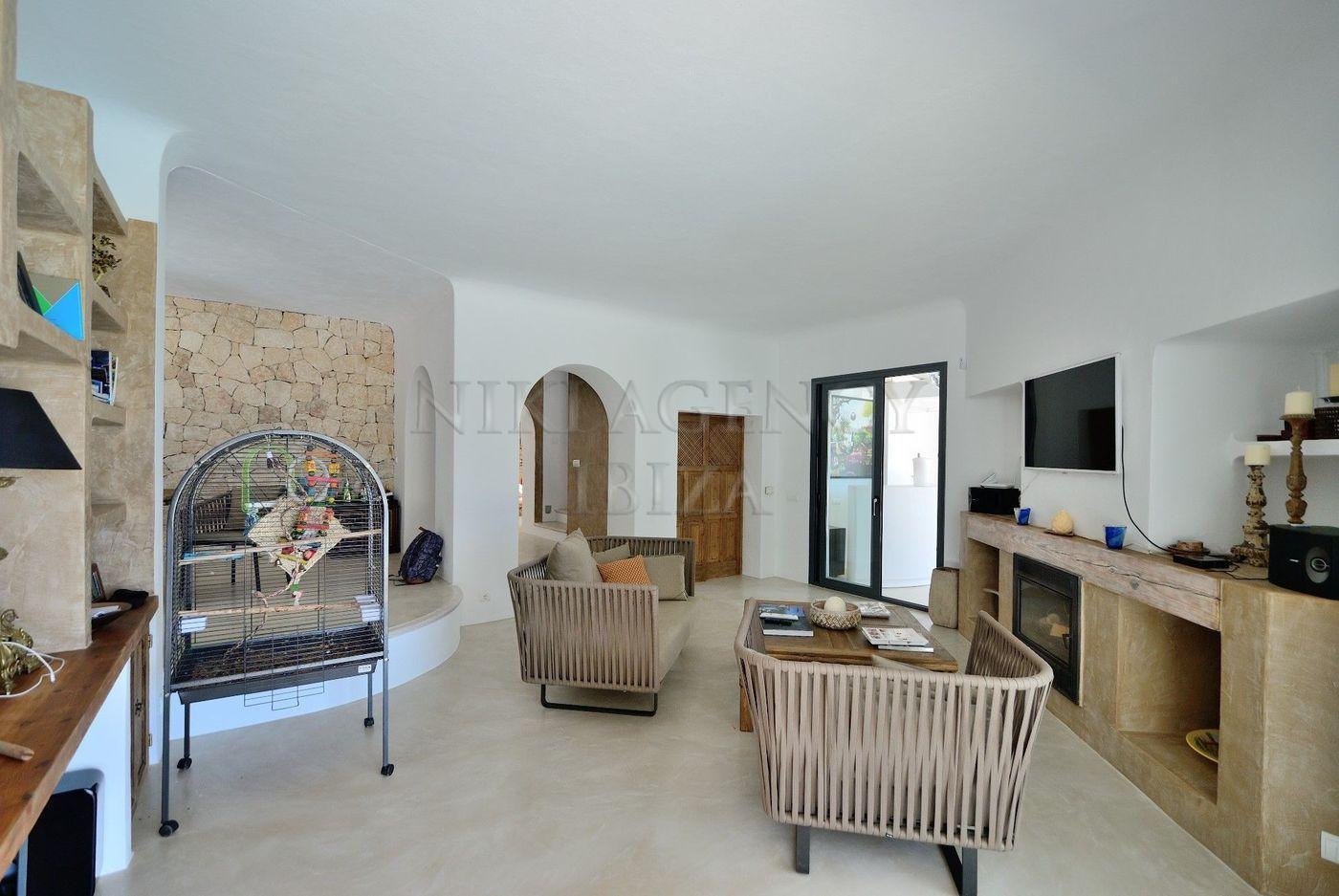 9. House for sale in Sant Josep de sa Talaia Ibiza - Fantastic 4 Bed Villa For Sale in Sant Josep de sa Talaia, Ibiza!