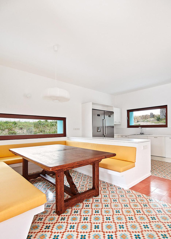 9. House in Ibiza Ca na Maria - Ca na Maria: a dreamy white house in Ibiza
