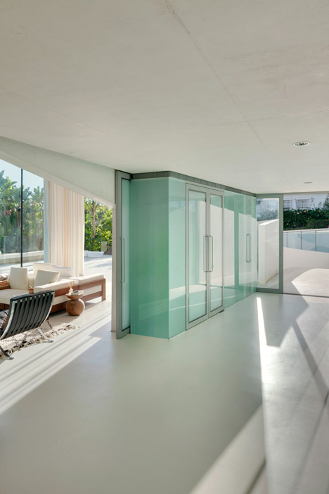 9. Jellyfish House - The Jellyfish House by Wiel Arets Architects in Marbella, Málaga