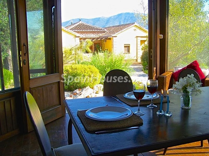 9. Villa for sale in Lecrín (Granada)