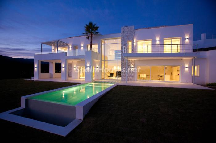 922 - Luxury Villa for Sale in Benahavis, Costa del Sol