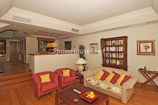 929689 15724 10 - Holidays in Spain? See this ideal villa in the Costa del Sol