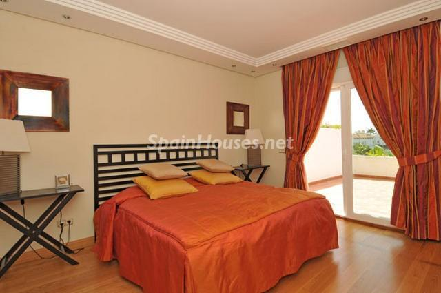 929689 15724 15 - Holidays in Spain? See this ideal villa in the Costa del Sol