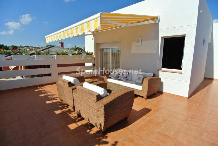 943 - Beautiful Detached Chalet for Sale in Torrevieja (Alicante)