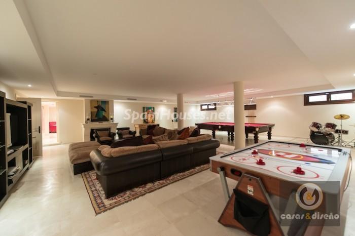 962486 558662 21 - Stunning Villa for sale in Marbella (Málaga)