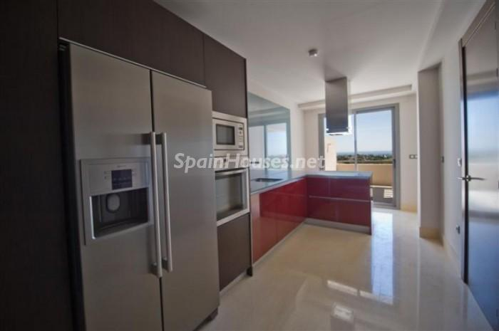 984384 619762 5 - Fantastic Penthouse for Sale in Benahavís (Málaga)