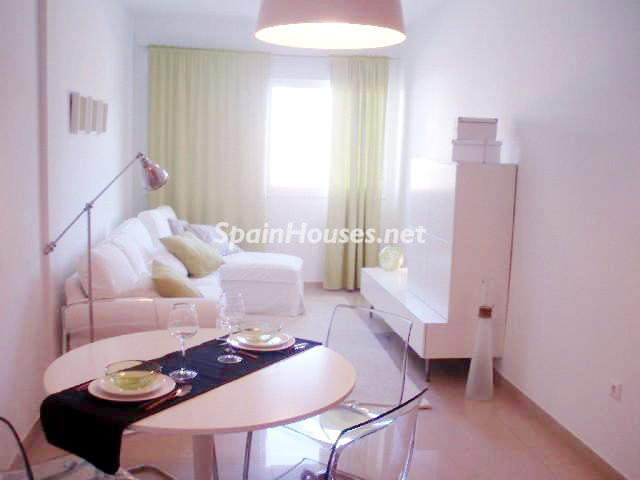 986085 56895 3 - Great Opportunity: Home in Oliva, Valencia, for Less than 70.000 €!