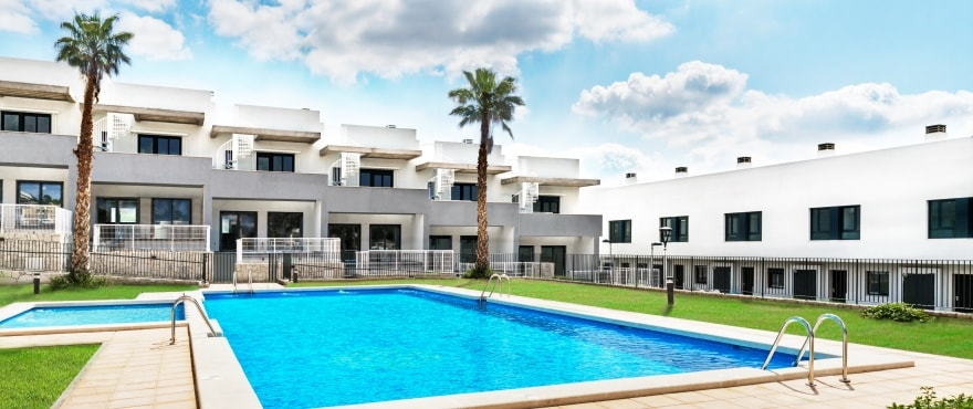 A1 Kiruna Residencial Alenda Golf Pool Sept 2019 - New townhouses for sale in Alenda Golf (Alicante) from €173,000. Best value for money in the area
