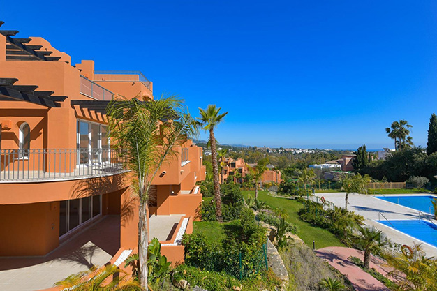 ARQUITECTURA - This apartment for sale in Marbella is the perfect home to live in a unique natural environment and be happy