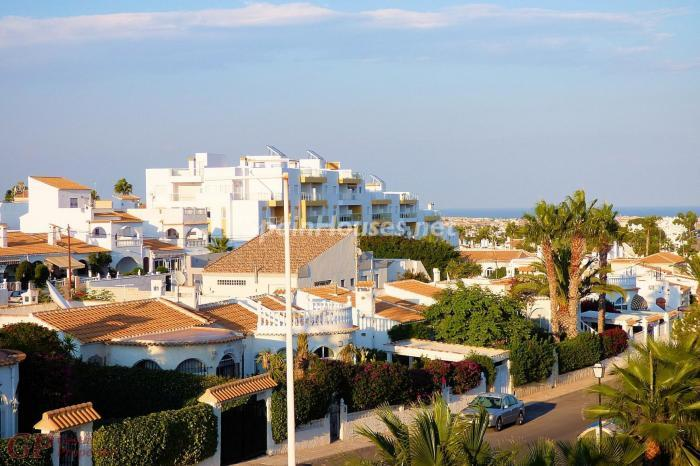 Apartment for sale in Orihuela Costa Alicante - For Sale: 8 Properties Under €50,000 in Spain!